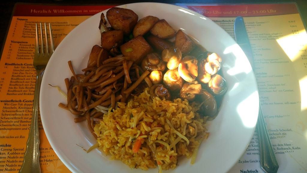 Reis Pilze Gemüse Kartoffeln