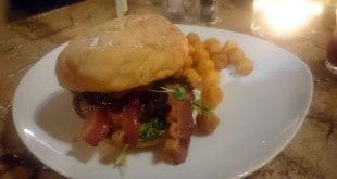 Bison Burger im Restaurant Bonasus