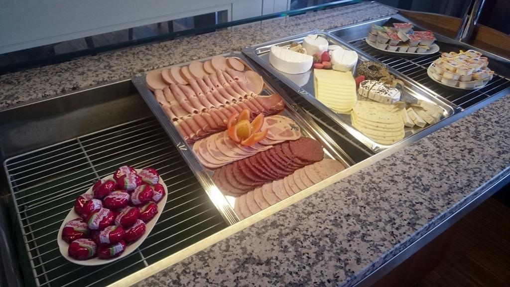 Frühstücken auf dem Brockenhotel